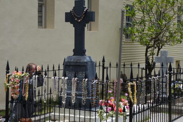 6 Damien Of Molaki Grave